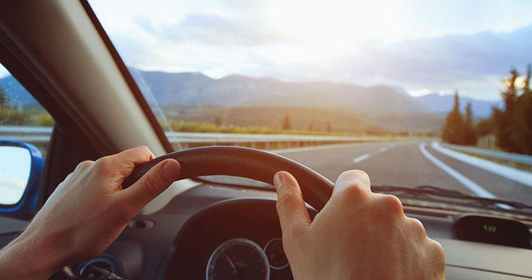 Slang kierowców – jak porozumiewają się zawodowi kierowcy?