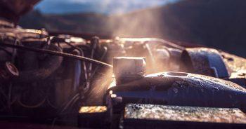 Jak uniknąć przegrzania silnika w upalne dni?