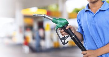 Czym jest karta paliwowa i jak z niej korzystać?