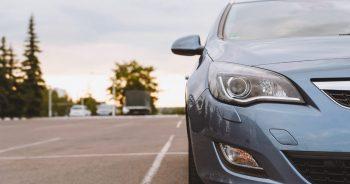 Co należy wiedzieć przed transportem samochodu?
