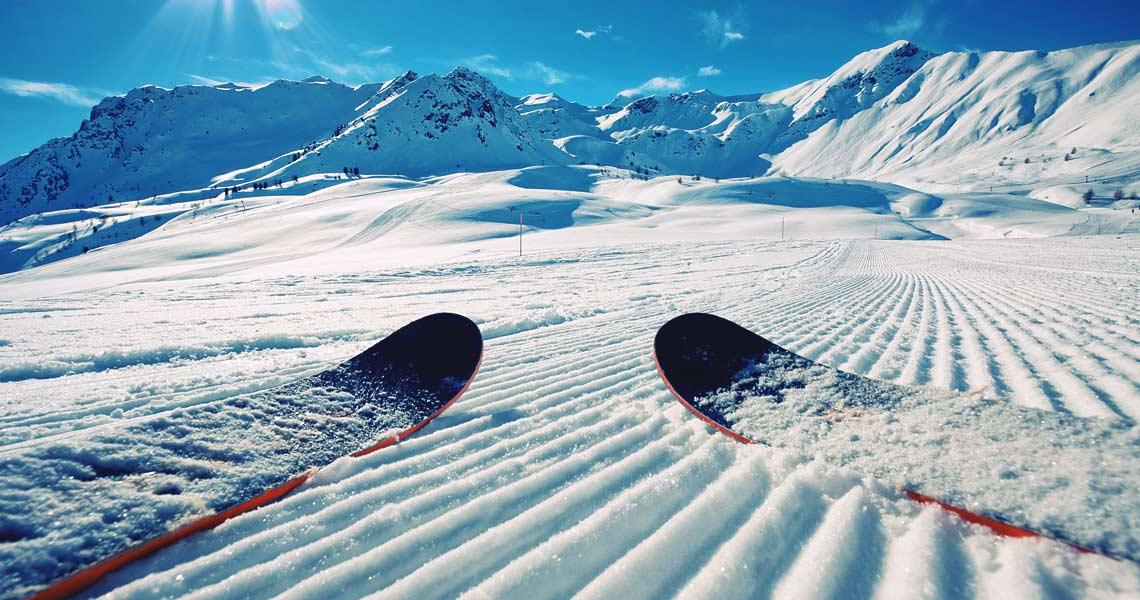 Jak przewieźć narty?