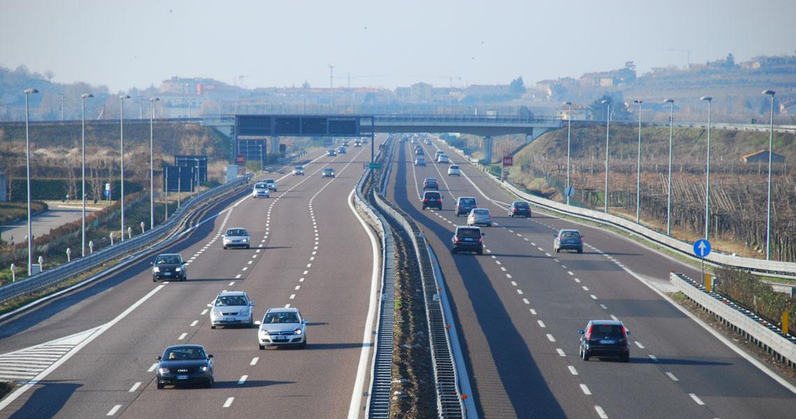 Ile kosztuje transport samochodu z Włoch