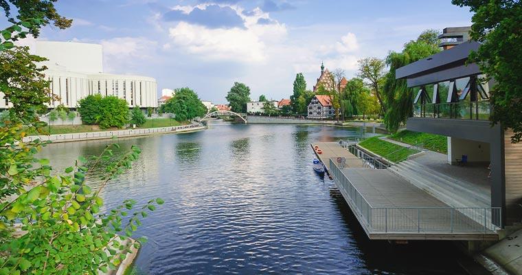 Jak zorganizować transport na trasie Warszawa - Bydgoszcz